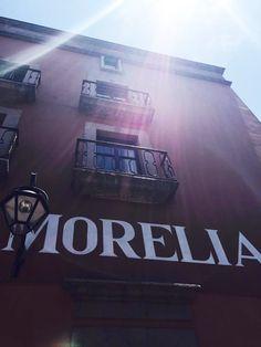 Mientras que en la #CDMX disfrutaron su #HaloSolar en #Morelia disfrutamos de un clima caluroso! ¿Que tal el clima en tu ciudad?