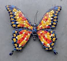 Butterfly in yellow and orange with blue edges Butterfly Mosaic, Mosaic Birds, Mosaic Pots, Glass Butterfly, Mosaic Garden, Mosaic Wall, Mosaic Glass, Stained Glass, Mosaic Crafts