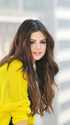 Selena Gomez........................