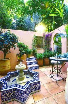 moroccan style courtyard garden