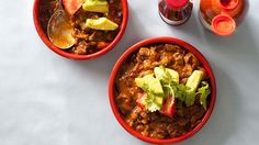 Heston Blumenthal's chilli con carne with cornbread muffins Mexican Chilli Con Carne, Chilli Con Carne Recipe, Beef Chili Recipe, Chili Recipes, Mexican Food Recipes, Ethnic Recipes, Chilli Dish, Cooking Recipes, Healthy Recipes