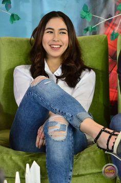 Heart Evangelista Style, Julia Baretto, Child Actresses, Posing Ideas, Filipina, Girl Crushes, Ph, Fashion Models, Teeth