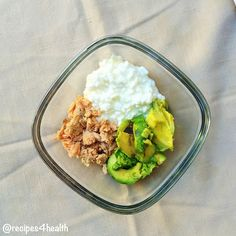 California cottage cheese bowl cottage cheese skinny and bowls cottage cheese tuna and avocado only 300 calories and 35 g of protein for this delicious small meal or snack sisterspd