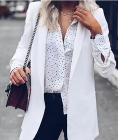 White blazer and shirt! Give some light to winter day🌤