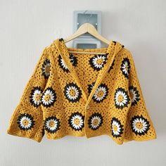Mode Crochet, Diy Crochet, Crochet Crafts, Crochet Projects, Crochet Top, Crochet Fashion, Diy Fashion, Ideias Fashion, Crochet Designs
