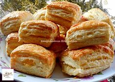 Sajtos-túrós pogácsa  recept foto Croissant Bread, Winter Food, Nutella, Tapas, Food To Make, Biscuits, Food And Drink, Appetizers, Sweets