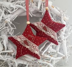 * Christmas star * A slightly larger Christmas star made of dark red linen for . Knit Christmas Ornaments, Fabric Christmas Trees, Christmas Star, Christmas Knitting, Christmas Wreaths, Christmas Decorations, Xmas, Holiday Decor, Grey Pillow Covers