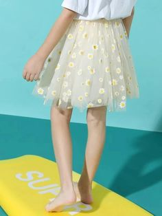 Girls Daisy Floral Mesh Skirt – Kidenhouse Leopard Print Skirt, Floral Print Skirt, Cute Girl Outfits, Kids Outfits, Affordable Fashion, Trendy Fashion, Trendy Girl, Mesh Skirt, Jeans Dress