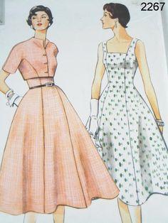 Vogue Dress Pattern 2267  1954