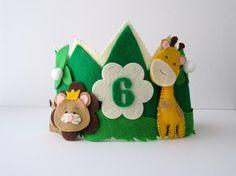 Personalized Birthday Crown by PrettyJungle on Etsy Birthday Badge, Prince Birthday, 1st Boy Birthday, Princess Party Favors, Disney Princess Party, Cinderella Party, Diy Birthday Crown, Birthday Crowns, Safari Birthday Cakes