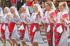 romanians folk dance traditional dresses eastern europe