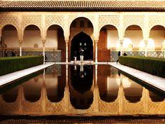 Patio de los Arrayanes, Alhambra. (vía flickr)