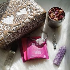 ✨💜Goddess Gift Box💜✨ What is a Goddess? A Goddess is a woman who is in the process of learning to know, accept and love herself on all levels, Mind Body and Spirit. A woman that understands that she has the capacity to make her life anything she wants.👑, What Is A Goddess, Gift Boxes, Love Her, Spirit, Woman, Learning, Gifts, Presents, Wine Gift Sets