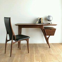 Source: outofstockhk Wood Design, Office Desk, Taiwan, Imagination, Desk Chairs, Desks, I Hate Love, Desktop, Desk
