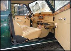 Image - Une MINI à l'intérieur entièrement reconceptualisé - . - Skyrock.com Mini Cooper Classic, Classic Mini, Classic Cars, Mini Cooper Interior, Auto Mini, Micro Rc, Mini Copper, Car Tuning, Small Cars
