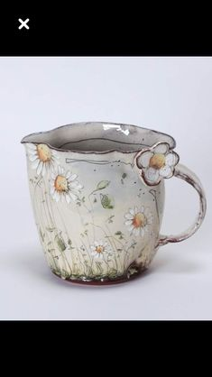 Delicate Floral Ceramics by Christine Zablocki & Sébastien Lopes Pottery Mugs, Ceramic Pottery, Ceramic Cups, Ceramic Art, Sculptures Céramiques, Cute Mugs, Pottery Studio, Clay Creations, Biscuit