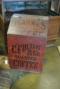 Vintage Wood Crates, Old Wooden Boxes, Old Crates, Vintage Tins, Vintage Coffee, Wine Crates, Wooden Crates, Coffee Advertising, Vintage Advertising Signs