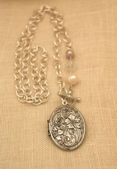 exvoto vintage jewelry  #vintagelocket OMG I am IN LOVE with this!