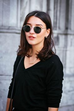 Rayban round, gold, metal!! They are so versatile! Edgy, chic, feminine, casual, just amazing!