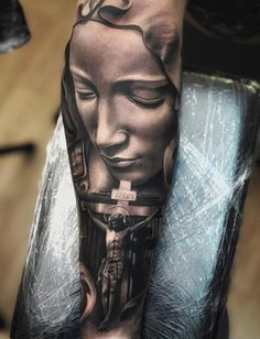 20 Holy Jesus tattoos Art and Design Jesus Tattoo Sleeve, Religious Tattoo Sleeves, Best Sleeve Tattoos, Tattoo Hand, Jesus Tattoo Design, Angel Tattoo Designs, Tattoo Sleeve Designs, Religion Tattoos, Gott Tattoos