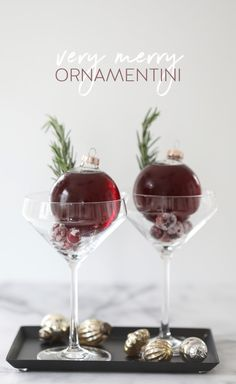 Very Merry Ornamentini – The perfect way to serve drinks without spilling! Very Merry Ornamentini – The perfect way to serve drinks without spilling! Christmas Cocktail Party, Christmas Cocktails, Holiday Cocktails, Cocktail Parties, Cocktail Drinks, Christmas Drinks Alcohol, Birthday Cocktail, Popular Cocktails, Cocktail Desserts