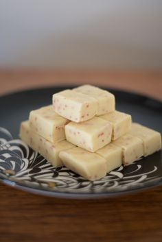 Slow Cooker White Chocolate and Strawberry Fudge