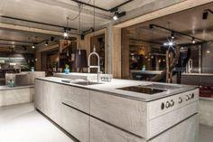 The Kitchen Club - Showroom Betonküche/ Eggersmann