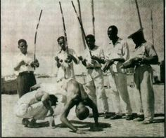 """What other martial arts refer as sparring, in Capoeira its called Jogo (game). The """"Jogo"""" between two players determined by the rhythm of the Berimbau. Angola Africa, West Africa, Capoeira Regional, Wado Ryu Karate, Brazilian Martial Arts, Fight Techniques, Call And Response, African History, Dance"""