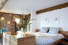 Located in Drenthe's countryside, De Vijf Suites offers elegantly designed suites with a shared garden with terrace. Holland Hotel, Visit Holland, Home Comforts, Hotel Suites, Beautiful Hotels, B & B, Bed And Breakfast, Best Hotels, Netherlands