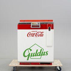 """KYL, för dricka """"Coca-Cola"""" och """"Guldus"""", 1900-talets mitt."""