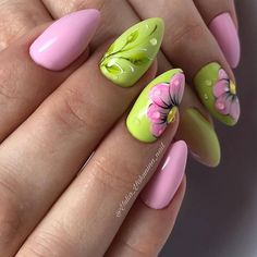 8 Very Pretty Floral Nails To Keep Your Nails Looking Pretty - Hashtag Nail Art Flower Nail Designs, Nail Designs Spring, Nail Art Designs, Nail Color Combinations, Nagellack Design, Vacation Nails, Super Nails, Green Nails, Nail Decorations