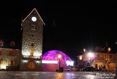 Centro Civico y el domo a la derecha, lugar donde se construyó el huevo de pascuas más grande del mundo!