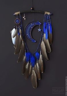 Stunning Dream Catcher Ideas to get only Pleasant Dreams -TastyMatters Dream Catchers are Widely Used as Home Decor.Here are Some Handpicked Dream Catcher Ideas to Protect You from Bad Dreams,Nightmares,Negativity Crafts To Make, Arts And Crafts, Diy Crafts, Dreamcatchers, Moon Dreamcatcher, Dream Catcher Craft, Making Dream Catchers, Blue Dream Catcher, Dream Catcher Mobile