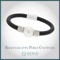 I gioielli della collezione Unisex by Genisi sono un simbolo di libertà. Il loro design informale e disinvolto abbina le perle più preziose a materiali inediti. Indossarli significa testimoniare di essere oltre. #PerLui #PerLei #GenisiPearls