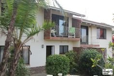 PROPERTY RAMSGATE - RAMSGATE Townhouse HIBISCUS COAST The property consists of 3 Bedrooms (BIC), 2 Bathrooms (mes), o/p lounge/diningroom/kitchen with breakfast nook, balcony, laundry/storeroom which could be converted into a 2nd kitchen. Other features include small private garden, linen cupboard, SGL garage, security gates and burglar bars.  R 730 000