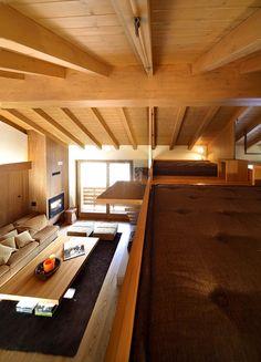 Fantastisch Maisonette Wohnung Mit Viel Holz Ausgestattet Von Studio Fanetti  #ausgestattet #fanetti #maisonette