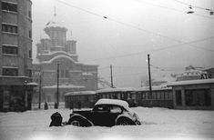 Willy Pragher in Cotroceni anul 1941 Paris, Romania, Old Photos, Saints, Snow, Memories, Outdoor, Cots, Military