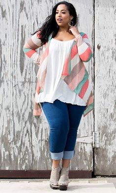Jeans capri, white flowy tank and a cardigan. Paired with grey wedges.  Great spring/summer outfit. 2016/2017 #stitchfix #affiliate #inspiration