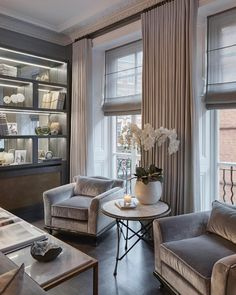 One of my favourite corners in one of my favourite projects. #luxuryinteriors #sophiepatersoninteriors #interiors #interiordesign