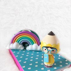 """""""Be a rainbow in someone else's cloud."""" - Letter to My Daughter by Maya Angelou  Clever Clogs by @zeywonderland  Momiji are message dolls. Perfect gifts for students and graduates!"""