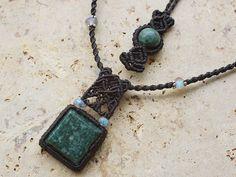 グアテマラ翡翠(トラディショナル マヤ) 天然石ネックレス