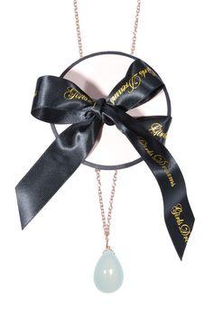#GirlsDreams | Zarte #Halskette mit filigranen #Chalcedon Anhänger | Girls Dreams | mymint-shop.com | Ihr Online Shop für Secondhand / Vintage Designerkleidung & #Accessoires bis zu -90% vom Neupreis das ganze Jahr #mymint