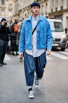 Men street styles 677299231448636869 - Khaki Got a Street Style Upgrade at Paris Fashion Week Men's – Fashionista Source by jarickwalker Fashion Week Paris, Mens Fashion Week, Denim Fashion, Look Fashion, Urban Fashion, Fashion Blogs, Street Style Fashion, Fashion Weeks, Fashion Styles