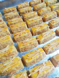 Eggless Kastengel by Bakul Cilok Cokies Recipes, Snack Recipes, Dessert Recipes, Indonesian Desserts, Indonesian Food, Breakfast Snacks, Italian Recipes, Food And Drink, Favorite Recipes