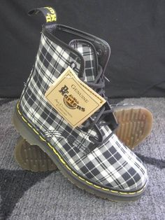 I need these like whoa. Dr Martens 1460, Bootie Boots, Shoe Boots, Me Too Shoes, Kicks, Fashion Outfits, Purses, My Style, Sneakers