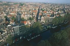 Seventeenth-Century Canal Ring Area of Amsterdam inside the Singelgracht - DeAgostini/Getty Images