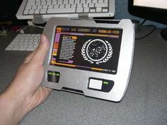 How to make a PADD from Star Trek - Nilsson Nilsson Goretoy, this looks like the computers from RE Star Trek Birthday, Star Trek Party, Star Trek Enterprise, Star Trek Voyager, Star Trek Gifts, Star Trek Wedding, Star Trek Cosplay, Star Wars, Geek Out