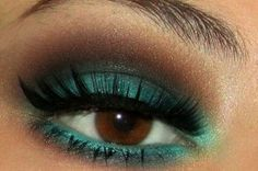 http://makeup-perfection.com/tutorials/makeup-tutorial-9-how-to-do-your-holiday-makeup/  Turquoise luxury