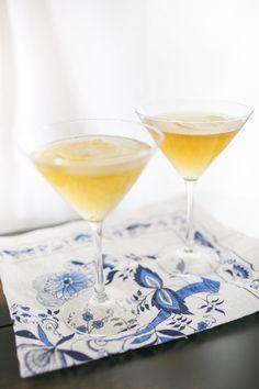 Apricot tea cocktail