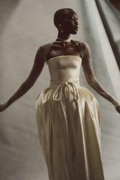 Vogue Fashion, Fashion Show, Fashion Trends, Fashion Wheel, Bridal Gowns, Wedding Gowns, Oui Oui, Elegant Wedding Dress, Marie